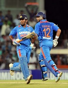 Cuttack ODI: Yuvraj-Dhoni stellar show gives India series